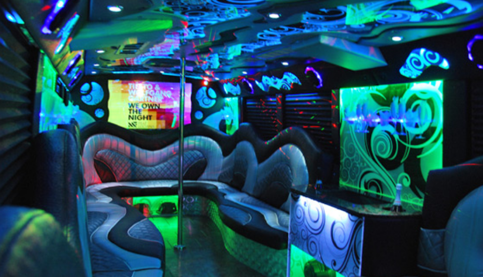 How to Always Book Great Party Buses With Ease